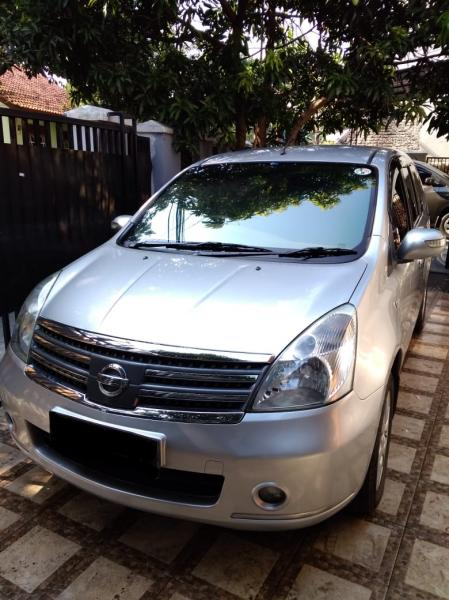 Nissan grand livina XV Ultimate 2010 1.5 AT jual cepat ...