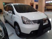 Nissan Grand Livina 1.5 M/T Tahun 2012 (kanan.jpg)