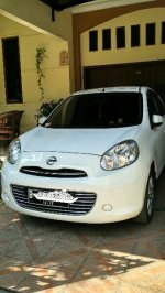 Jual Overkredit Nissan March White XS A/T Sports 2012 Putih ABS Mulus Manta