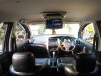 Nissan Grand Livina XV automatic th2012 (db8d6fcc-77fd-4cdd-8f85-a80e9d27d1a3.jpg)