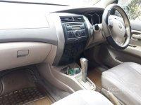 Nissan Livina XR 2009 Abu-abu (gallery_used-car-mobil123-nissan-livina-xr-wagon-indonesia_2489116_o0Ig8WlpaEWlnM33BVzf3I.jpeg)