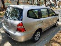 Jual Nissan Grand Livina ULTIMATE 1.5 seri Tertinggi (tampak belakang.jpeg)