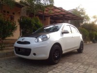 Jual Nissan March 1.2AT  2013 Low KM orisinil mulus