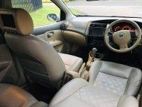Nissan: Grand Livina XV AT 2009 (WhatsApp Image 2020-01-16 at 09.18.03.jpeg)
