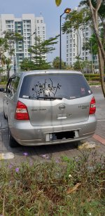 Nissan Grand Livina 1.5 AT Ultimate 2012 Silver (gl exterior belakang.jpg)