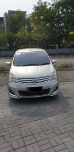 Nissan Grand Livina 1.5 AT Ultimate 2012 Silver (gl exterior depan.jpg)