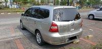 Nissan Grand Livina 1.5 AT Ultimate 2012 Silver (gl exterior dr kiri belakang.jpg)
