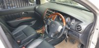 Nissan Grand Livina 1.5 AT Ultimate 2012 Silver (gl interior dr pintu depan kanan.jpg)