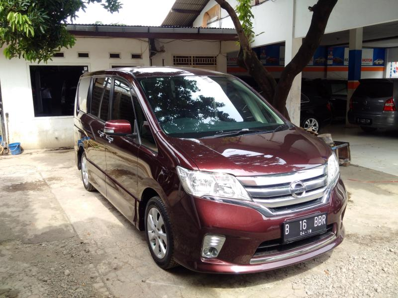 Nissan All New Serena 2.0 HWS Panoramic Automatic Th.2013