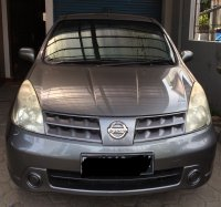 Dijual Nissan Grand Livina XV A/T 2010 Dark Grey (Grand Livina XV AT 2010  depan.jpg)