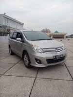 Jual Nissan grand livina 1.5 ultimate matic 2013 silver low km