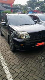 X-Trail: Nissan xtrail 2.5 hitam