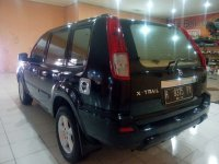 Nissan: X-Trail 2.5 ST Tahunh 2004 (belakang.jpg)
