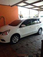 Jual Nissan: Grand Livina warna putih
