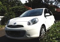 NISSAN MARCH XS AT 2012/2013 Putih Tgn 1 Km 45 Rb (Depan Kiri.jpg)