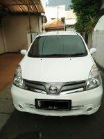 Nissan: GRAND LIVINA 1.5 XV MT 2012 - Tangan Pertama (Pribadi) (livi depan - masked.jpg)