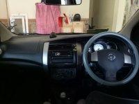 Nissan Grand Livina: Jual mobil Grand Levina (Interior depan.jpg)