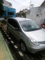 Jual Nissan - Grand Livina SV AT Mei 2012 Silver