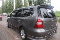Jual Nissan Grand Livina HWS 2011 Mulus seperti baru