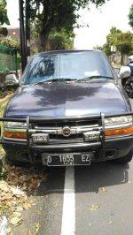Opel: JUAL BLAZER MONTERA SOHC TH 2000