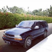Jual Opel Blazer th. 2000