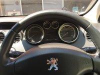 Peugeot 408 HItam 2013 (e2b574cb-b512-4bdb-8ea3-afc7acddfd90.jpg)