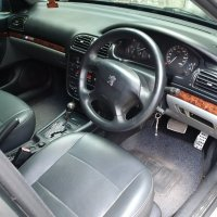 Peugeot 406 D9 AT 2001 Hitam plat Ab (peugeot_406_d9_2001_683116_1446717014.jpg)