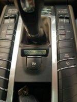 Porsche Macan 2.0 AT 2015,Performa Papan Atas Yang Berkelas (WhatsApp Image 2020-10-15 at 14.49.12 (2).jpeg)
