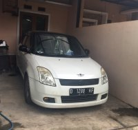 di jual Suzuki Swift Gl th 2006