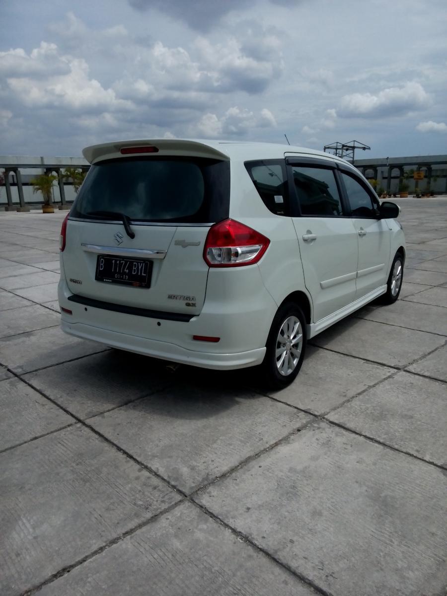 Suzuki ertiga Gx elegan matic 2014 putih Matic , Km 32