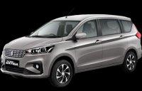 Suzuki: All new ertiga gx MT (metalic-silky-silver-e1568432626710.png)