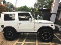 Suzuki: Jimny Katana 4x4 Trepes 2001 Putih Bersih Gagah. (285992980_1_644x461_jimny-katana-2001-4-4-depok-kota.jpg)