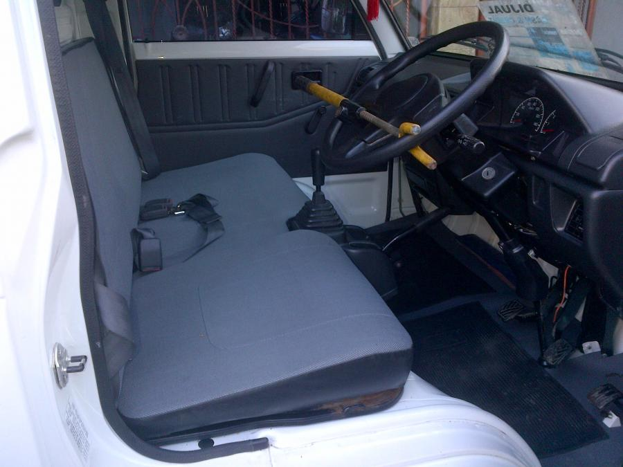 Suzuki carry pick up 2014 mega cargo - MobilBekas.com