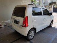 suzuki karimun wagon 2015 putih (BAC481F2-1AF8-4E77-BEAF-8D379B19A336.jpeg)
