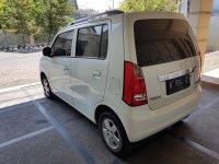 suzuki karimun wagon 2015 putih (C92864D4-698C-4574-8964-15347888F635.jpeg)