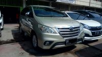 Toyota: Innova 2.5 G Solar Manual 2014