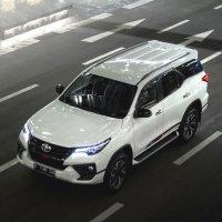 PROMO GRATIS Anti Karat Toyota Fortuner 4 x 2, 2.4 VRZ TRD Luxury 2018 (Fortuner Front Left Up.jpg)