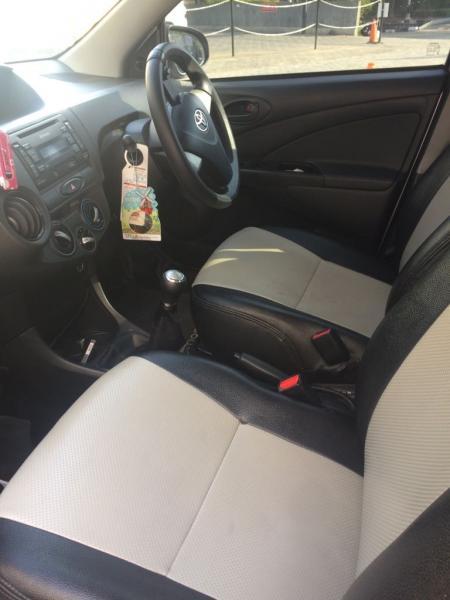 Mobil murah toyota etios valco E tahun 2013 km rendah ...
