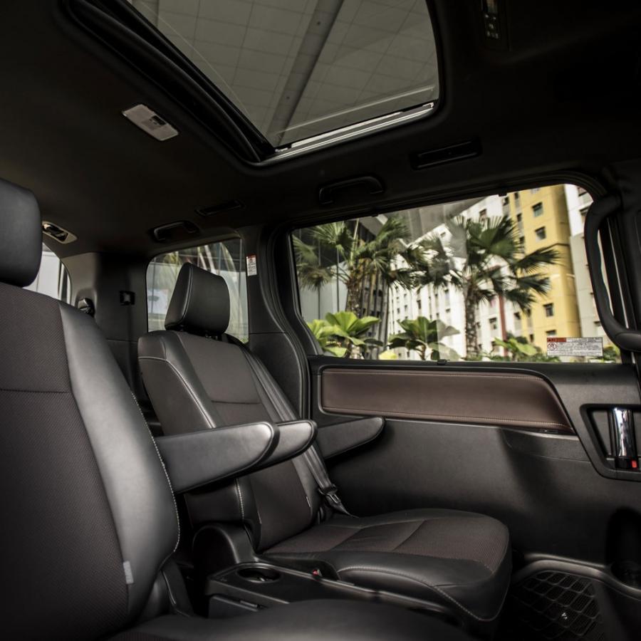 Toyota Voxy 2018 READY STOCK + GRATIS Asuransi Jiwa ...