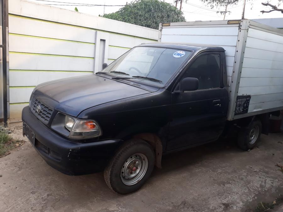 Kijang Pick Up Mobil kijang box tahun 2005 warna hitam