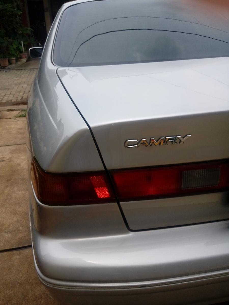 Camry: Mobil Dijual Butuh Uang - MobilBekas.com