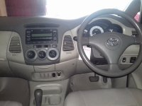 Toyota: Kijang Innova G Tahun 2011 (in depan.jpg)