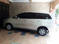 Jual Toyota kijang innova 2011 G bensin manual