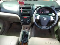 Toyota New Avanza E 1.300 cc Manual  Tahun 2012 hitam metalik (ave.2.jpeg)