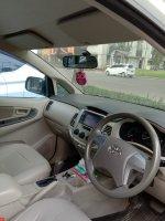 Toyota: Dijual Innova Putih , Matic Tahun 2012 ( Mulus )