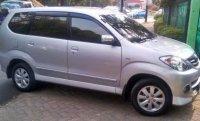 Dijual Toyota Avanza tipe G th 2011 warna silver