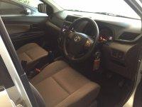Toyota New Grand Avanza 1.3 E MT 2016 (Silver Metalik) (Avanza 2016 Silver Interior Dpn Kanan.jpeg)