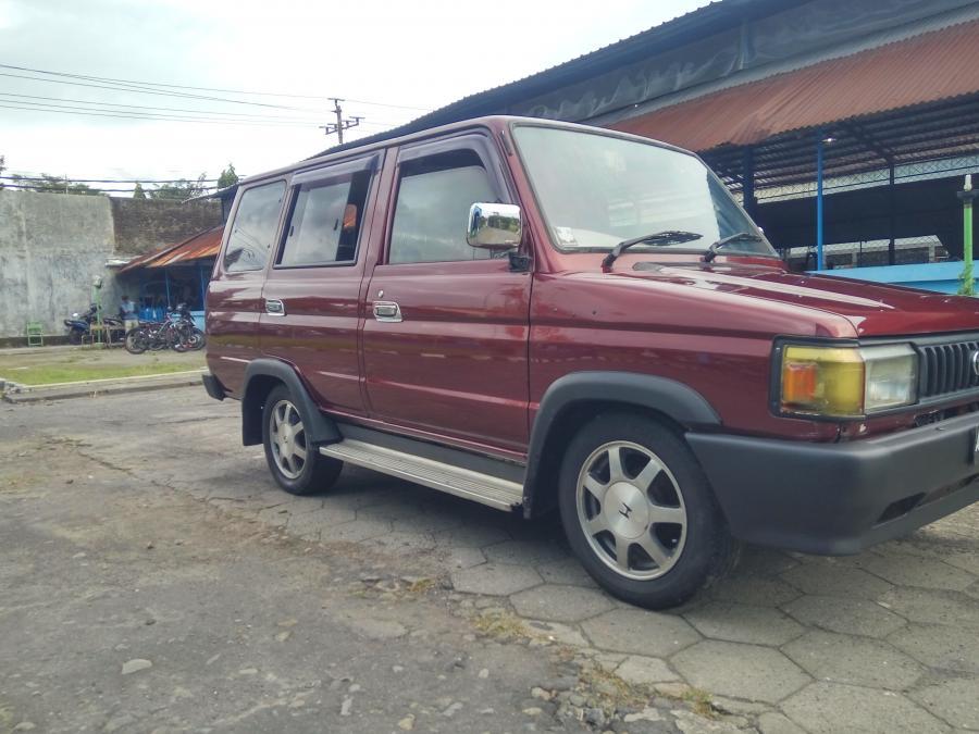 Kijang Grand Extra 95 Merah Maron Mobilbekascom