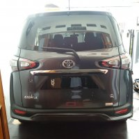 Jual Toyota Sienta type Q Thn 2016 warna Abu2 metalik (Over Kredit)
