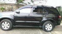 Toyota Fortuner: Mobil mulus dan mesin terawat dan harga nego (Samping kiri.jpeg)